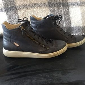 Ecco soft leather high tops